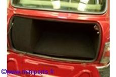 Fond de coffre noir. Austin Mini.